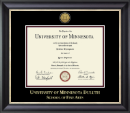 University of Minnesota Duluth Diploma Frame - Gold Engraved Medallion Diploma Frame in Noir